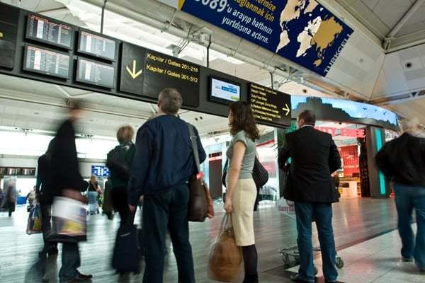 ercan-havalimanı-yolcu-giriş-çıkış
