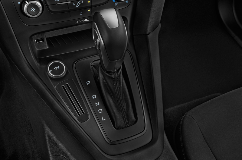 ford_16focussesa4a_gearshift__details