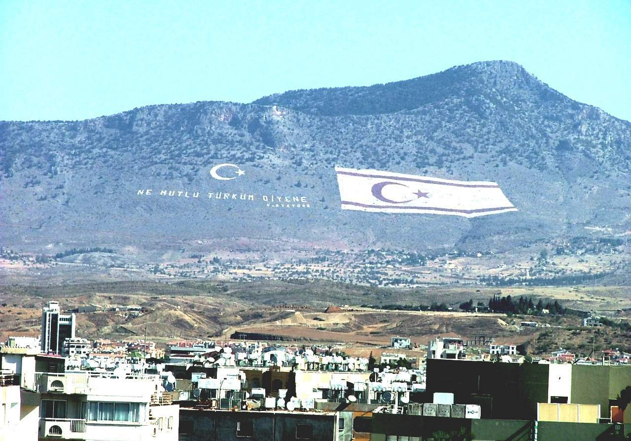 kıbrıs-en-yüksek-noktası-beşparmak-dağları